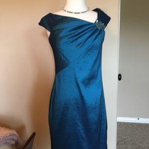 Teal blue cocktail dress w/jewel, size 6